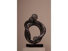 纯手工锻造铁艺雕塑,制作过程中