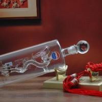 厂家威尼斯人平台网址玻璃酒瓶 手工艺吹制内套龙形酒瓶