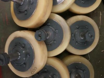 滚轮罐耳带轴轮头厂家直销 滚轮罐耳轮头价格