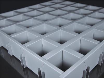 具有开放的视野通风透气整齐木纹铝格栅吊顶 层次分明铝格