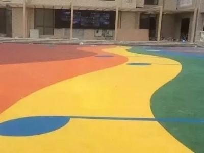临桂区彩色透水混凝土增强凝结剂压模地坪施工指导