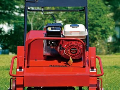 球场施肥透气钻孔机 自走钻孔机 草坪草地打孔机
