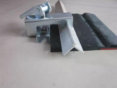 湖北导料槽防溢裙板夹持器物美价廉夹持器固定器
