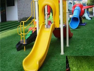 弹性好,恢复性高,使用寿命长,抗压强,厂家长期供应人造草坪