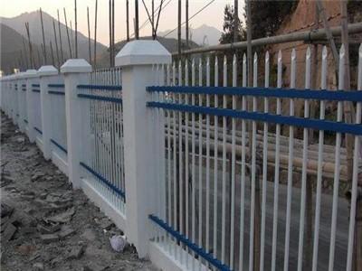 铁丝护栏网双边丝护栏网隔离栅浸塑防晒