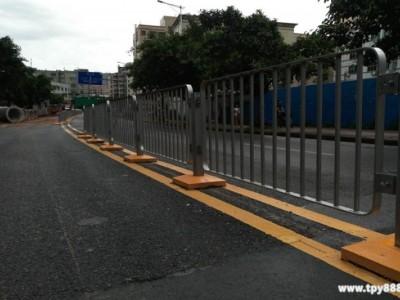 蓝白色道路护栏 市政护栏单价 佛山机动车分隔栏厂家直销