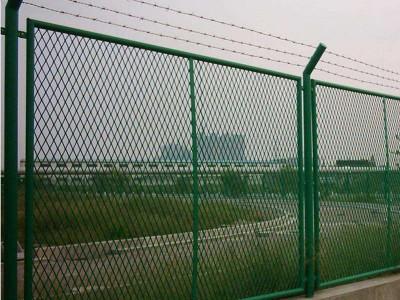 公路绿化带隔离栅 珠海三折弯护栏网批发 浸塑铁丝网围栏