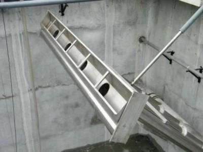 浮筒式滗水器