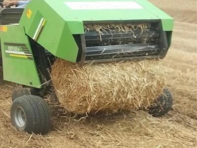 移动式玉米秸秆液压打包机 青贮秸秆打捆机