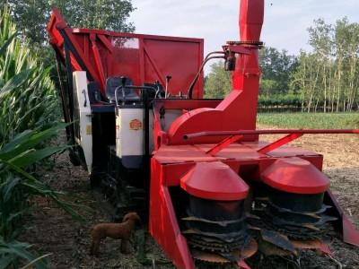 履带式丘陵地块玉米秆收割青贮机