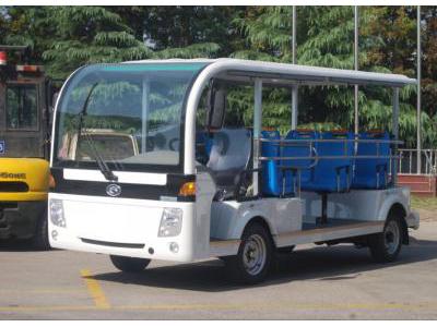 贵州贵阳景区汽油观光车