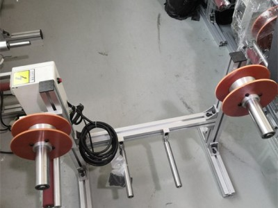 辅助超声波焊接加工的装置 浪淘沙超声波卷膜机供应