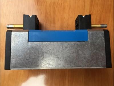 电磁阀 HEP-1 2-D-MIDI 193252