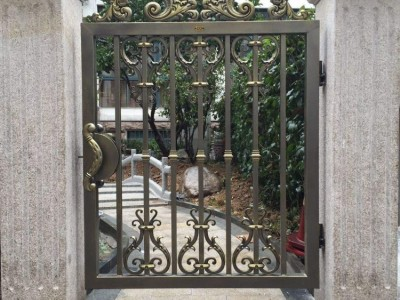 河北邯郸铝艺庭院大门仿木楼梯栏杆